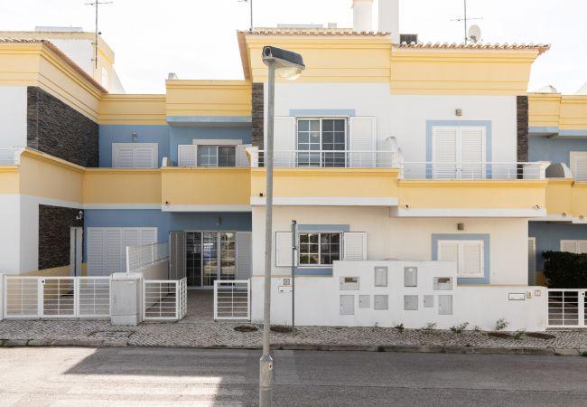 Casa geminada em Manta Rota - 12V4