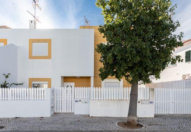 Manta Rota - Townhouse