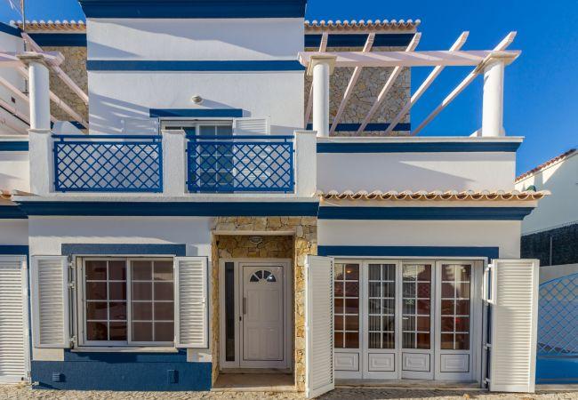 Residence in Manta Rota - 12V3