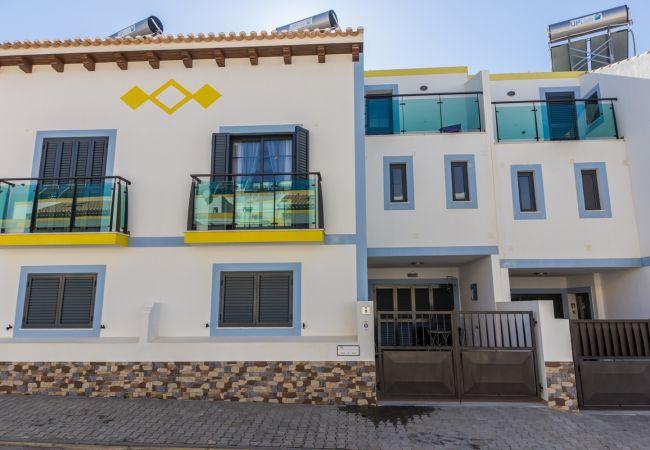 Residence in Manta Rota - 1V3