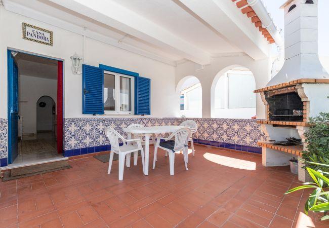 Manta Rota - House